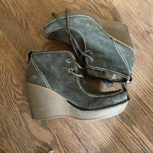 Report Lace Up Wedges